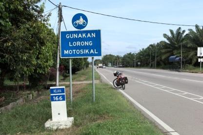 Separate Zweiradspur an der Nationalroute 5