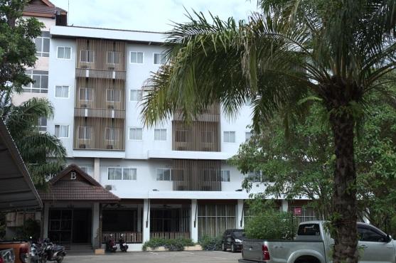 Nanaburi Hotel in Chumphon
