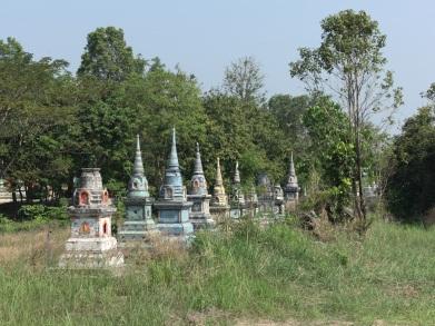 Grabsteine am Wat Nong Bon Phepthara, Provinz Chachoengsao
