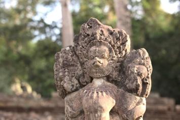 Skulptur im Wat Ta Phrom