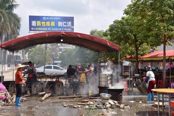 Suppenküche am Rand von Yangjiang